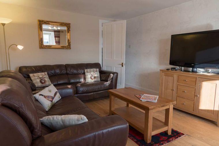cardney accomodation sitting room 1 0 0 0 0 1599730769